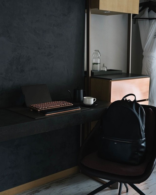 how-to-optimize-your-office-desk-setup-proper-desk-posture