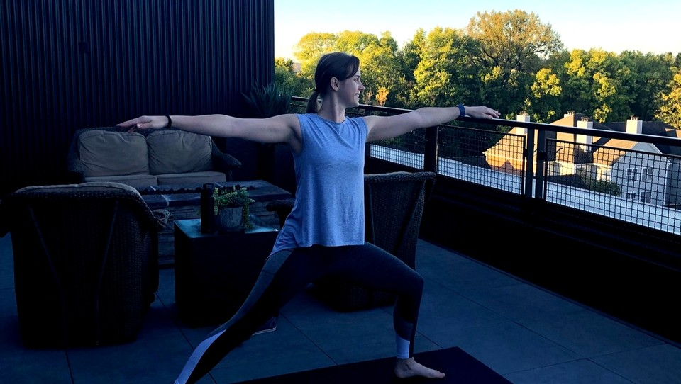Rooftop yoga with Alyssa Colf